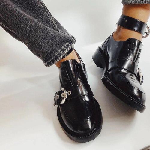 Low heel buckle round head single shoes