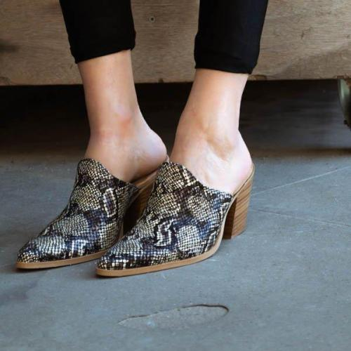 Vintage Pointed Thick Heel Slippers