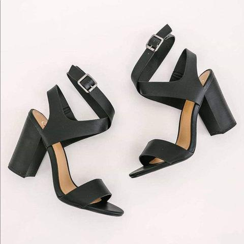 Plain Crisscross Ankle High Chunky Heels Sandals
