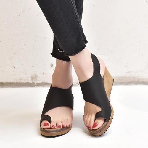 Women's PU Round Toe Adjustable Buckle Middle Wedge Heel Sandals