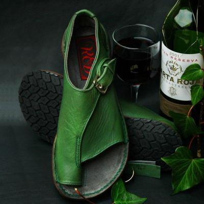 PU Pin-toe Buckle Flat Sandals