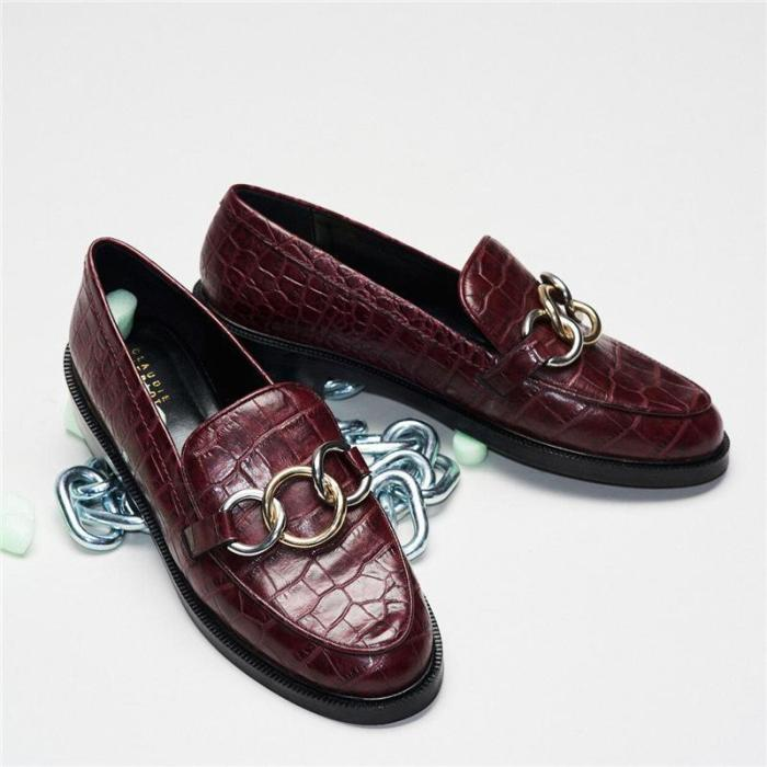 Spring comfortable metal decorative casual shoes