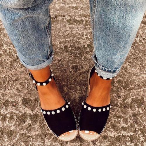 Chic Flats Adjustable Buckle Sandals