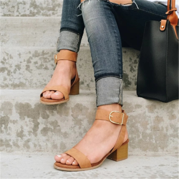 Fashion Casual Belt Buckle With Chunky Sandals