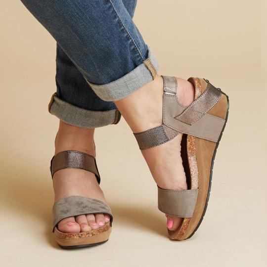 Large Size Women Summer Med Wedge Comfortable Platform Sandals