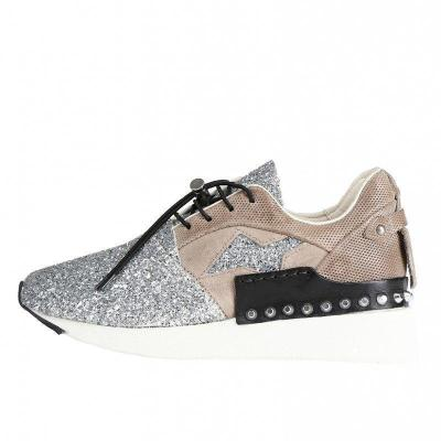 All Season Rivet Lace-up Flat Heel Sneakers