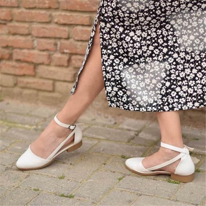 Women's Fashion Wild Hollow Buckle Flat Shoes