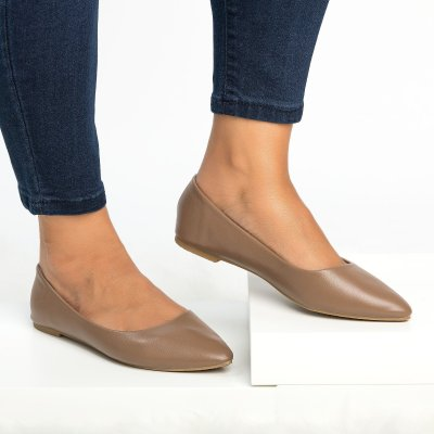 Smooth Pointed Toe Flat Taupe