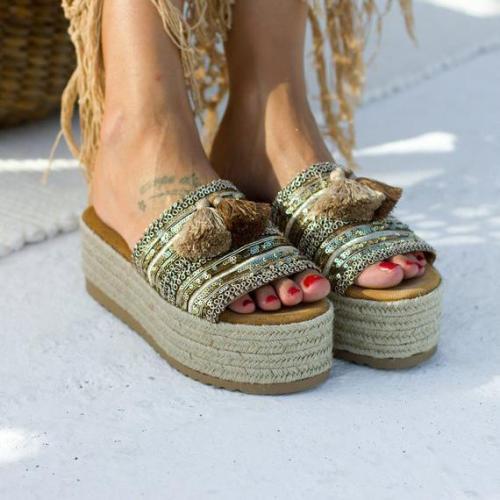 Women Tassle Shiny Trim Platform Sandals