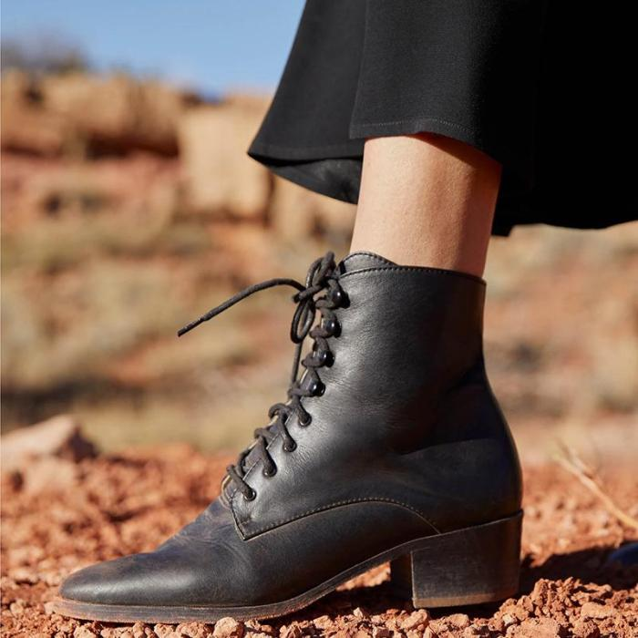 Classic ladies easy matching lacing ankle boots