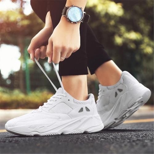 Men's breathable lightweight sneakers
