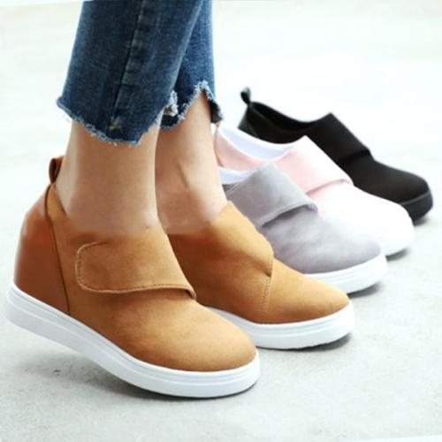 Women Round Toe Faux Suede Sneakers