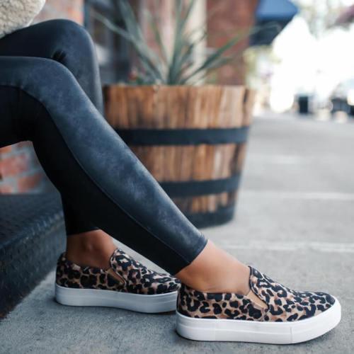 Women Large Size Canvas Breathable Flat Shoes