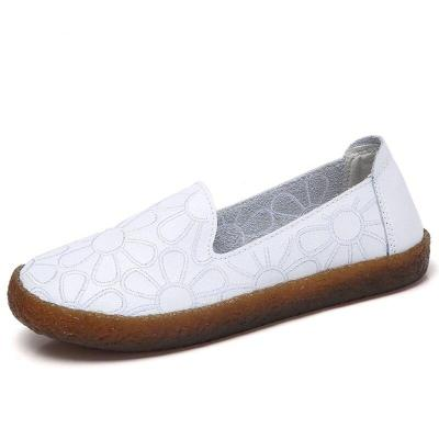 Hollow Leather Flats Women Breathable Summer Slip On Loafers Women Fashion White Moccasins Casual Ladies Shoes