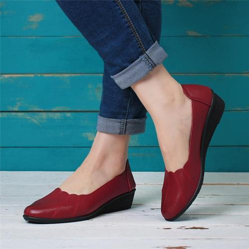 Women Soft Microfiber Leather Round Toe Slip On Flats