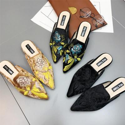 Large Size Women's Shoes Embroidery Fashion Pointed Flat Heel Female Slippers Slip on  Mules Slides