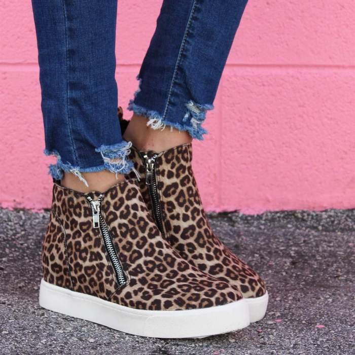 Women Round Toe Flat Heel Mid Calf Sneakers