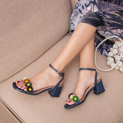 2020 Summer New Sandals with Flowers Women's Middle Heel Chunky Heel Open Toe Roman Women's Shoes