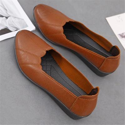 Women Soft Microfiber Leather Round Toe Slip On Flats