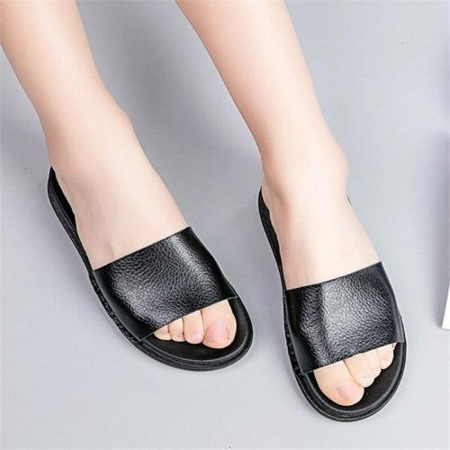 Women's summer new casual slippers Flat comfortable beach shoes fashion Non-slip Flat bottom Slides