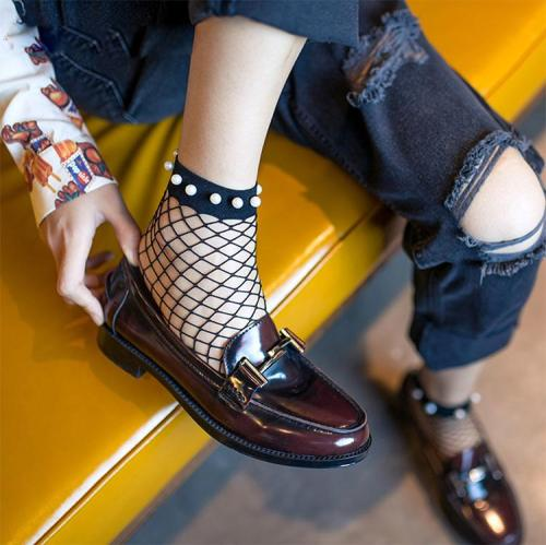Chic Streetwear Women's Breathable Imitation Pearl Fishnet Socks Sexy Hollow out Nets Socks Ladies Mesh Sox