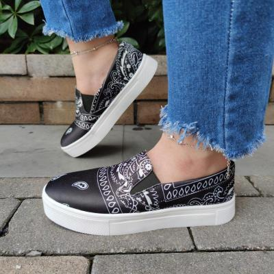 Women Fabric Characteristic Pattern Slip On Platform Bandanna Shoes