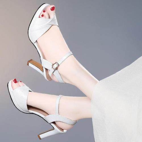 Sandals Women's New Summer Open Toe One Word Buckle Type Women's Sandals Fashion Chunky Heel Women's High Heels