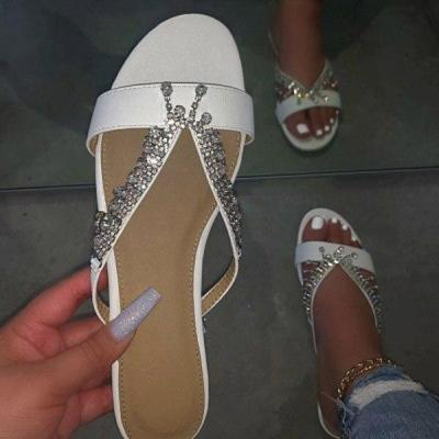 2020 Summer New Woman's Flat Shoes Summer Outdoor Slippers Rhinestones Beach Sandals Comfortable Sexy Plus Size 42
