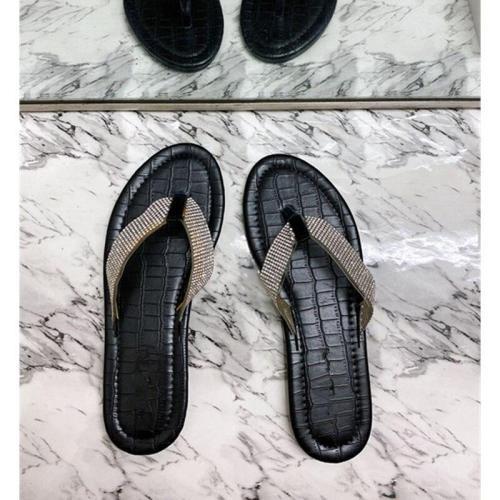 Women Shoes Diamond Flip Flops New Fashion Sexy Women Sandals 2020 Outdoor Beach Flat Heel Slippers