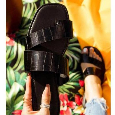 Summer 2020 New Woman's Flat Slippers Outdoor Beach Sandals Fashion Open Toe Shoes Casual Comfortable Plus Size 41