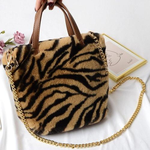 Faux Fur Large Capacity Leopard Handbag Plush Messenger Bag for Women Soft Warm Fur Bag Female Travel