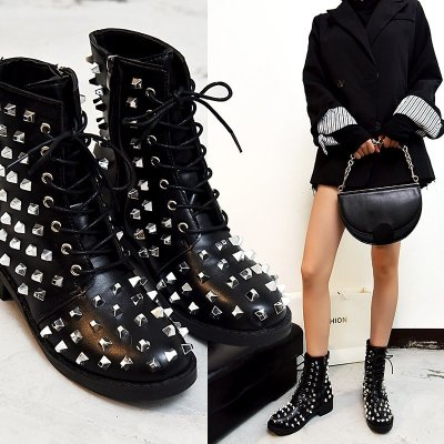 2020 New Winter Punk Rivet Boots Women Round Head Toe Leather Booties Studded Thick Low Heels Chelsea Ankle Plush Botas De Mujer