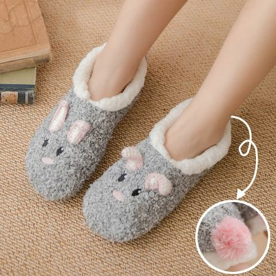 Fashion home slippers women cozy soft indoor slippers warm fluffy slippers plush Cartoons sneakers house woman