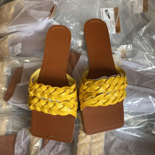 Fashion Flat Slippers Women Slides Ladies Outdoor Beach Shoes