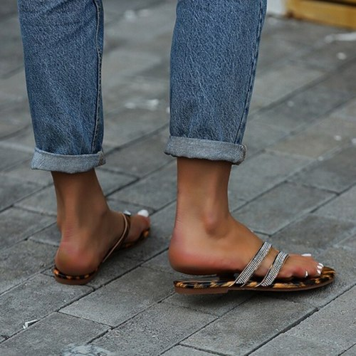 Summer Slippers Women Sandals Flip Flops Rhinestone Flats Shoes Ladies Beach Shoes Female Round Toe Bling Luxury Sandalias Mujer