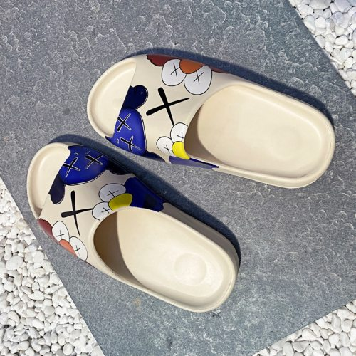 Summer Luxury Slide women Shoes Slippers Indoor House Slides Graffiti Beach Slipper Injection Cartoon Shoes yeez slides