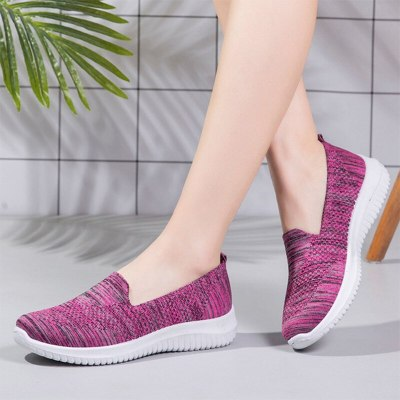 Female Walking Shoes Mesh Breathable Casual Women Sneakers Slip-On Sock Vulcanized Shoes Autumn Light Knitted Ladies Loafers New