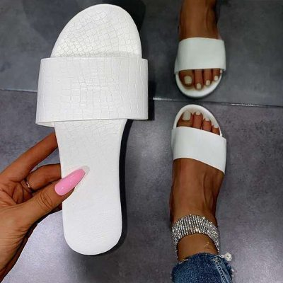 Women Summer Flat Slippers Candy Color Non Slip Casual Female Shoes Casual Slides 2021 New Sandals Comfortable Flip Flops