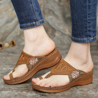 Slippers New Flip Flops Women Summer Fashion Embroidered Flip-flops Women Shoes Casual Beach Outdoor Ladies Plus Size Slippers