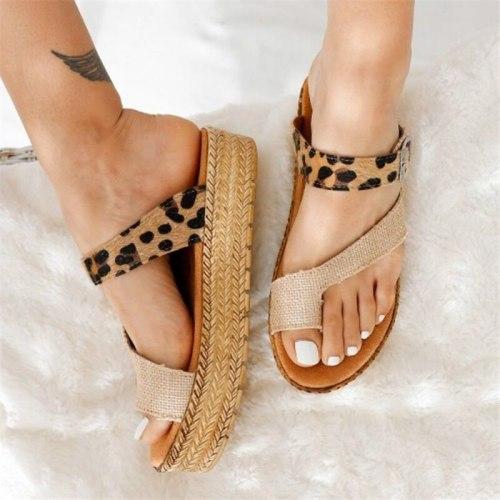 Leopard Print Women's Slippers Ladies Decoration Buckles Clip Toe Weave Bottom Casual Sandals Thick Soles Comfortable Beach Shoe