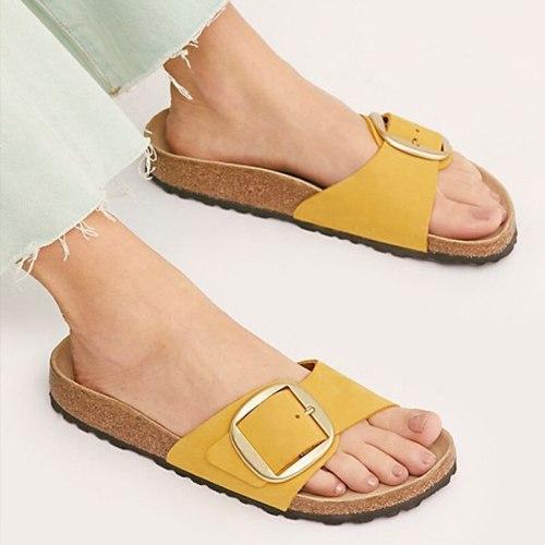 Flat Shoes Female Slippers Casual Platform Slides Low Rivet Big Size Slipers Women Luxury Summer 2021 PU Fashion Basic PVC Fabri