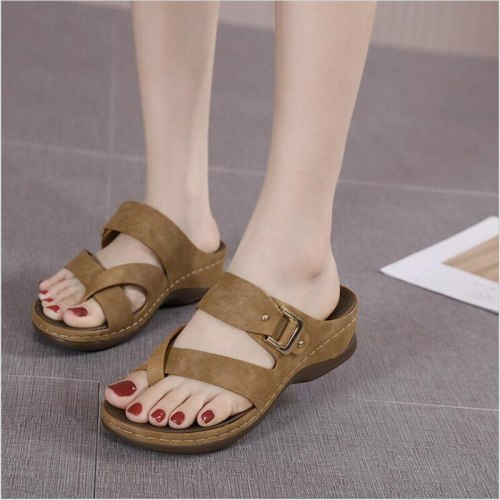 New 2021 Summer Fashion Women's Sandals Car Stitching Simple Casual Wedge Metal Large Size Women's Slippers