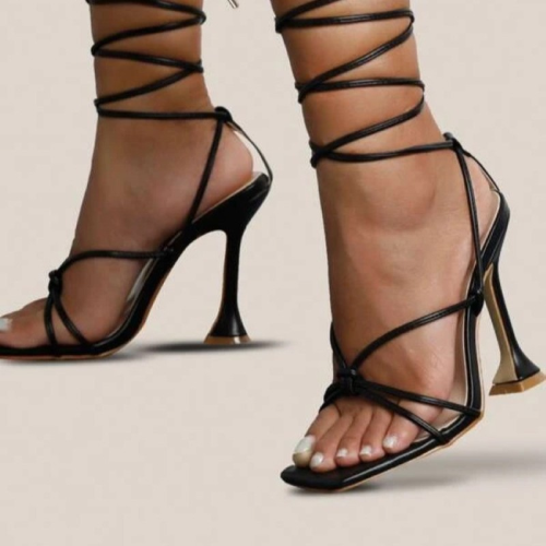 2021 Hot Sale New Design Cross Ankle Strap Sandals Women Square Heel Party Lace-Up Summer Strange Style Sandal Shoes Size 41 42