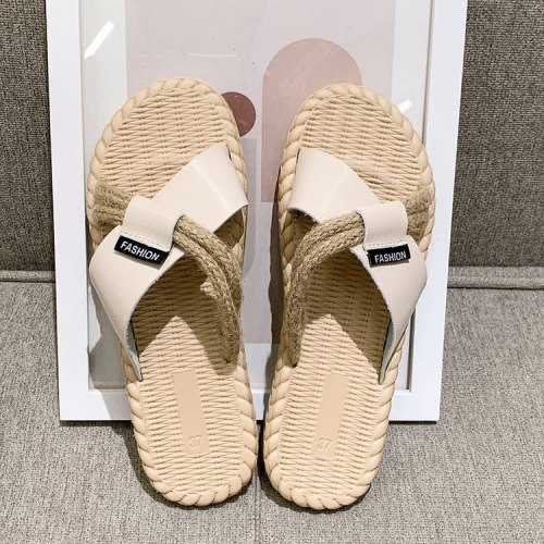 Cross-word sandals and slippers women wear new flat-bottom non-slip soft bottom light lazy gladiator sandals in summer