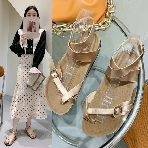 2021 New Open-toed Sponge Cake Bottom One-line Buckle Strap Low-heeled Women's Sandals Fashionable and Explosive Everyday