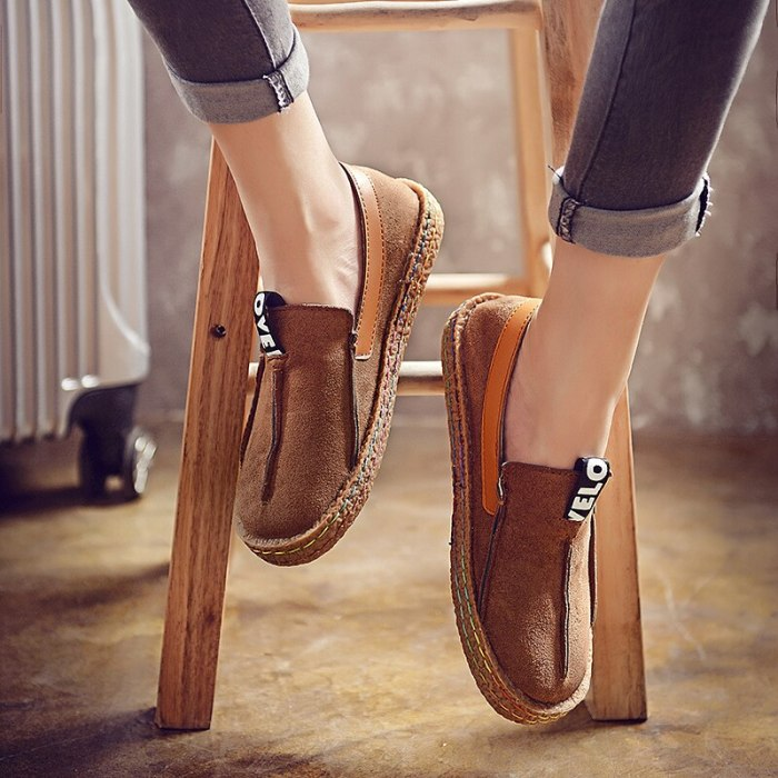 2021 Fashion Soft Leather Women Casual Flats Ladies Slip On Oxford Shoes New Big Toe Lazy Single Shoes Mother Mocassin