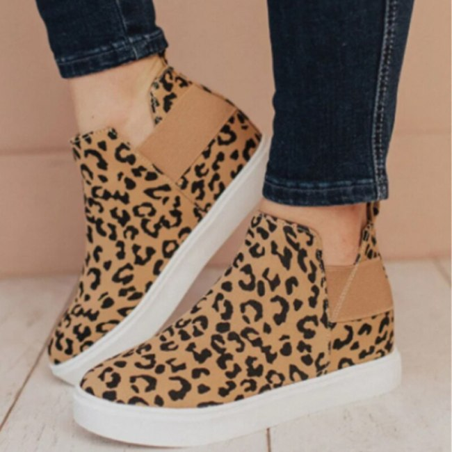 Fashion Classic Casual Suede Sneakers Wearable Middle-Top Pedal Skating Shoes 2021 Women Autumn New Leopard Printed Flat Loafers