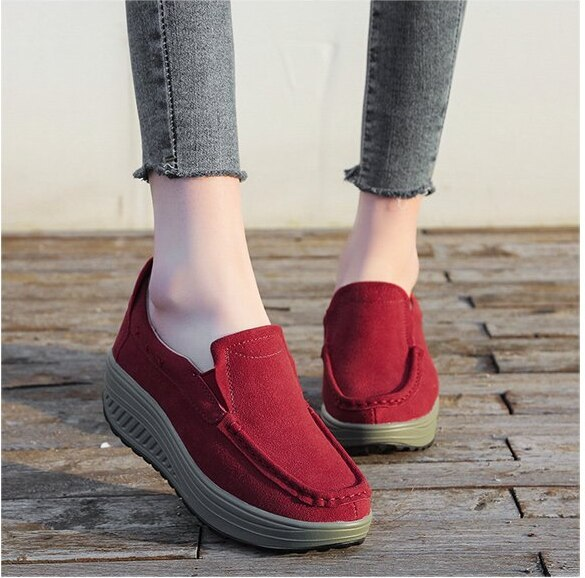 New Leather Women Swing Shoes Slip-on Loss Weight Shoes Wedge Height Increasing Slimming Sneakers