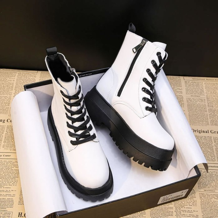 2021 White Color Soft PU Leather Ankle Boots Women Platform Motorcycle Booties Female Autumn Winter Shoes Woman Goth Short Boots