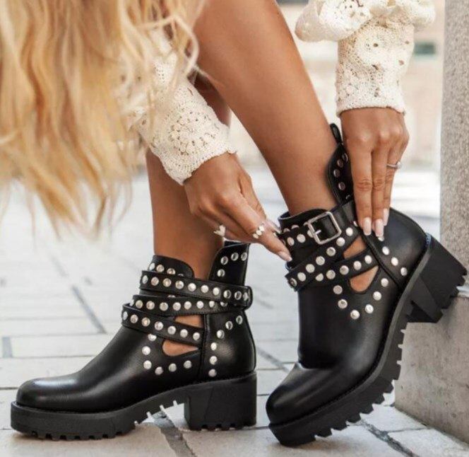 2021 Autumn New Woman Boots Rivet Ankle Boots Round Toe Mid Heel Short Boots Fashion Buckle Outdoor Women's Shoes Plus Size